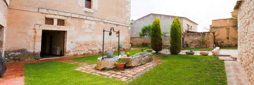 Patio del Palacio de los Serrano
