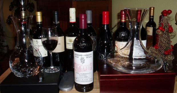 Mesa con Vinos Vega Sicilia